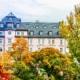 Blick auf eine historische Wohnimmobilie in München im Herbst, Immobilien als Gewinner der Corona-Krise